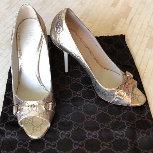 5e4869697846 Gucci Shoes - GUCCI Horsebit peep-toe stilettos in gold - EUC!